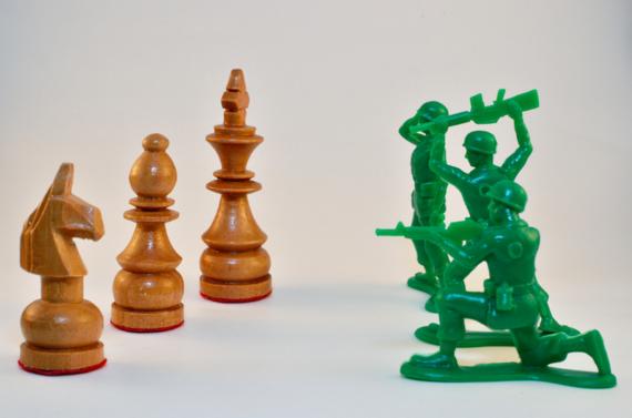 chess%2Bvs%2Barmy%2Bmen%2Bfull-thumb-570