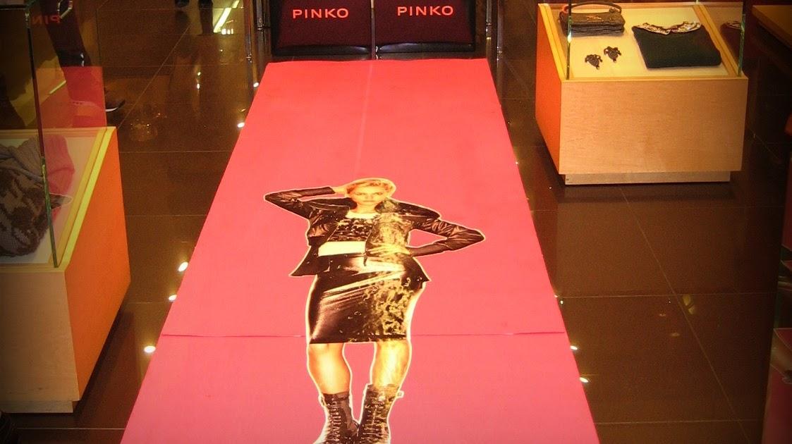 b6c0ee2eb53 très (très) Chic: Pinko Trunk Show