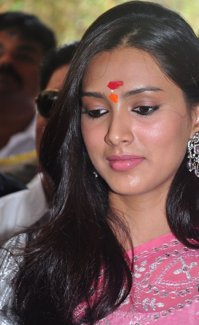 Hot and spicy celebrities pallavi subhash cool photo gallery south