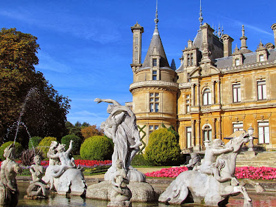 Waddesdon Manor, autumn, Baron Ferdinand de Rothschild, National Trust, visit, day trip, flowers, pink, purple, foutain