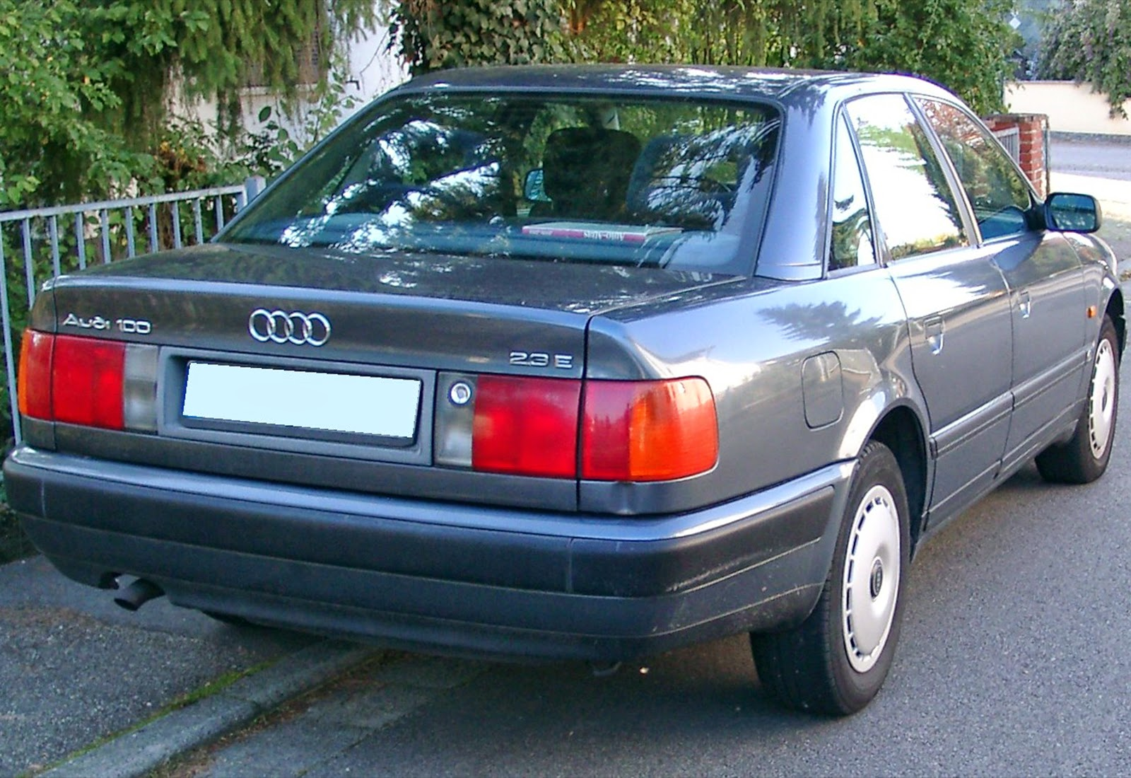 automotive database audi 100 rh autocarbase com Audi 100 Wagon 1993 Audi 100 Resale Values