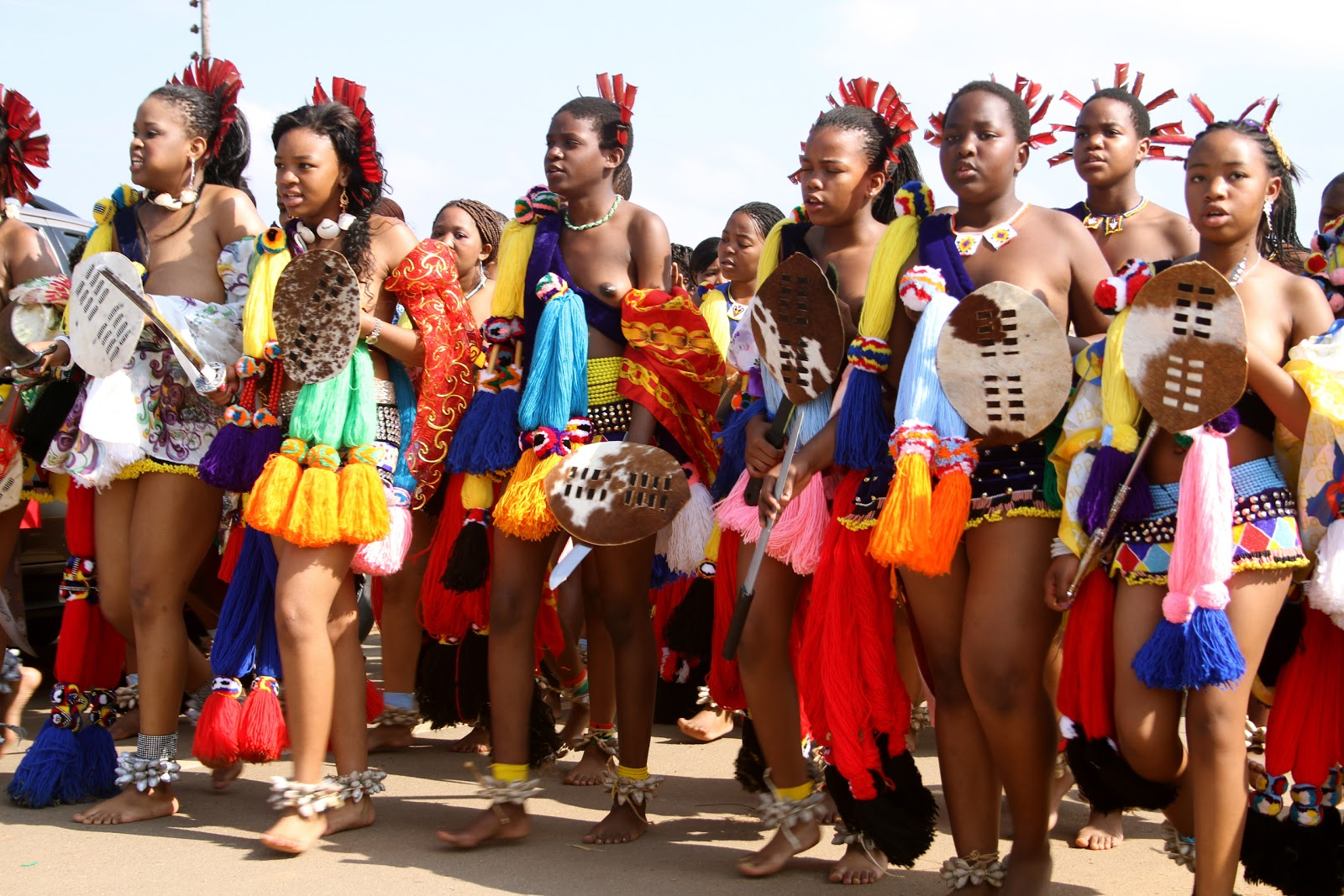 Girls Zulu reed dance
