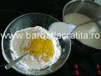 Tarta cu fructe si budinca de vanilie preparare reteta