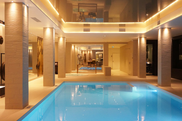Spa louise grenadine blog lifestyle lyon for Hotel design piscine lyon