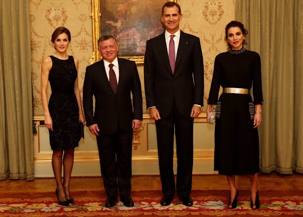 King Felipe VI and Queen Letizia hosted a dinner banquet in in the Palace of El Pardo on Thursday in honour of King Abdullah II of Jordan and Queen Rania