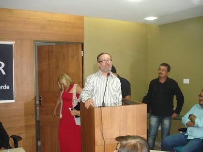 PROFESSOR CARLOS ALBERTO CAVALCANTI É VENCEDOR EM FESTIVAL DE POESIA NO RIO GRANDE DO SUL
