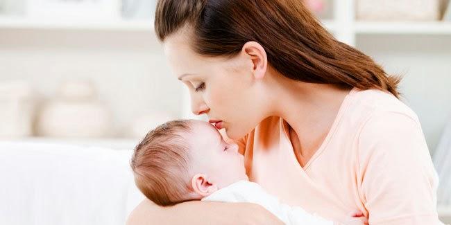 kesehatan : Cara Menggendong Bayi yang Benar