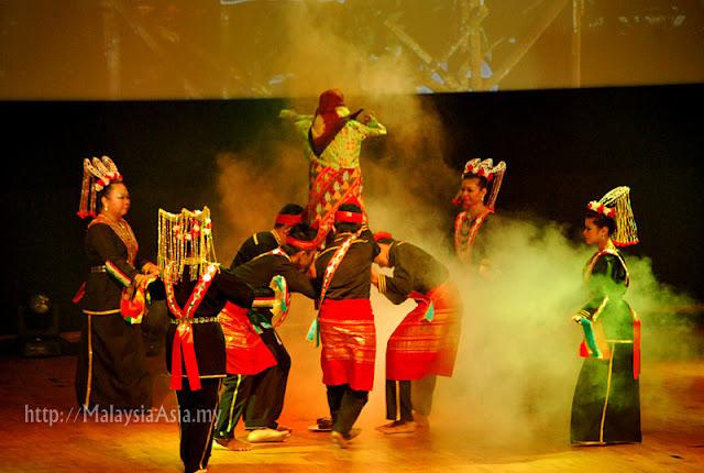 Bubu Mangalai dance