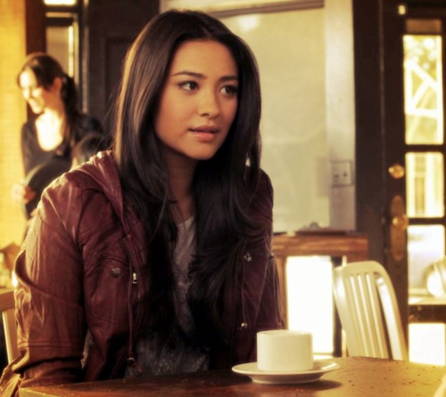 Choose One Of The Pretty Little Liars I Have I To Choose Emily My Style Has A Hint Of Rock Chic And A Bit Of Sport In It But Not Not Much