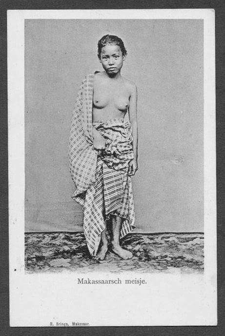 Nude girl from Makassar ~ ca 1899