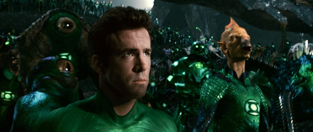 ryan reynolds green lantern costume. makeup Win a Green Lantern