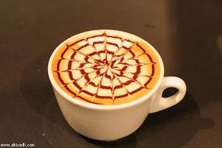 الرسم على القهوه