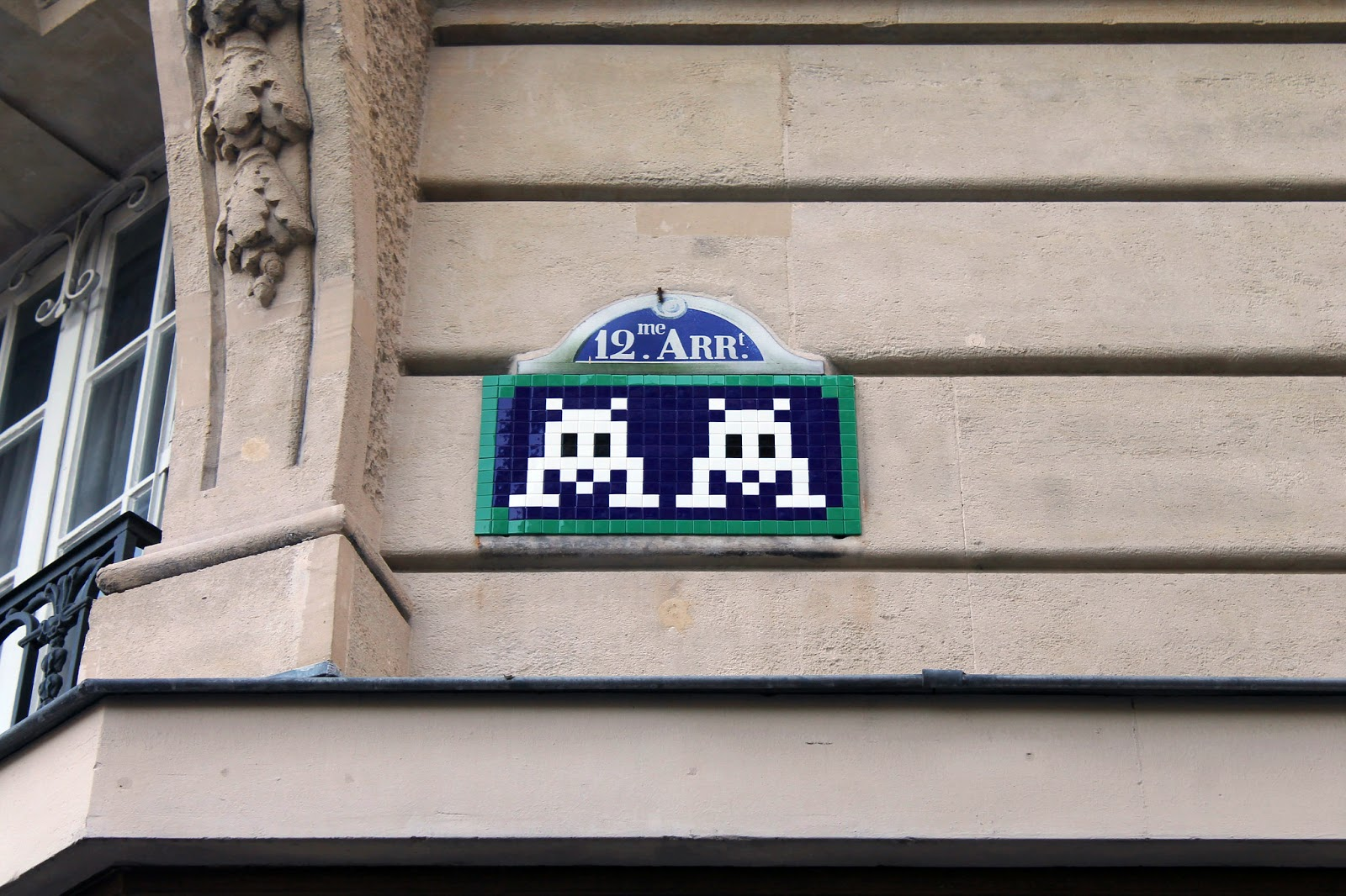 Constantly busy on the streets of Paris since over a decade, the legendary Invader once again spent his night out working on a new series of Invasions.