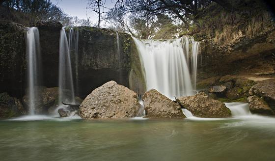 imagen_condado_treviño_catarata_saseta_bosque