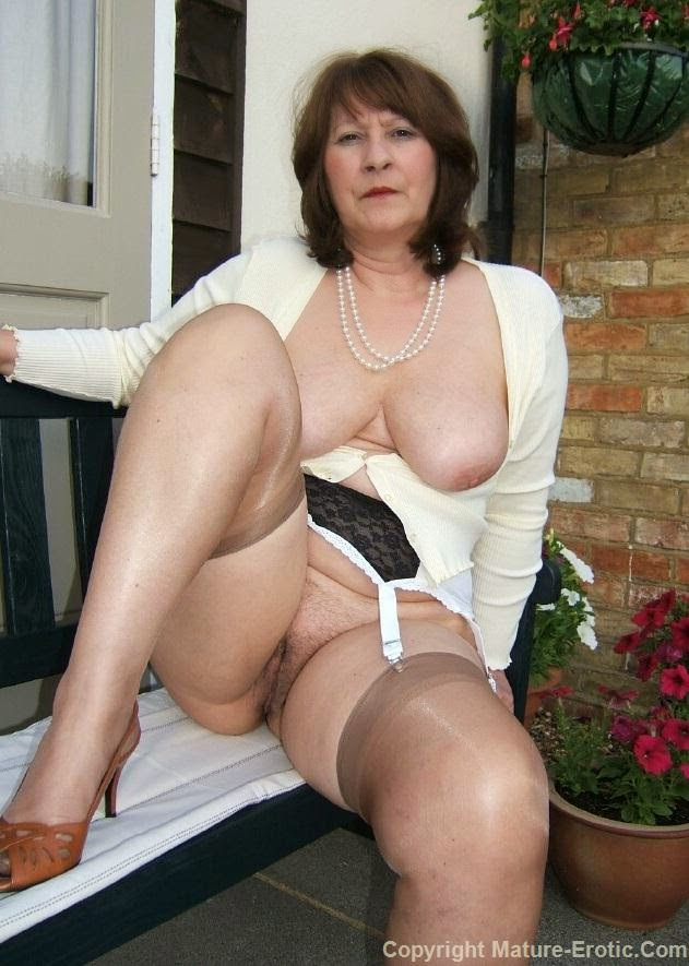 Mature erotic christine galleries