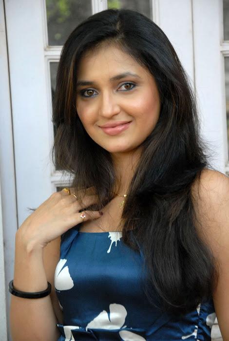 sarayu new actress pics