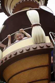 SatCap-daughter-Legoland-funny
