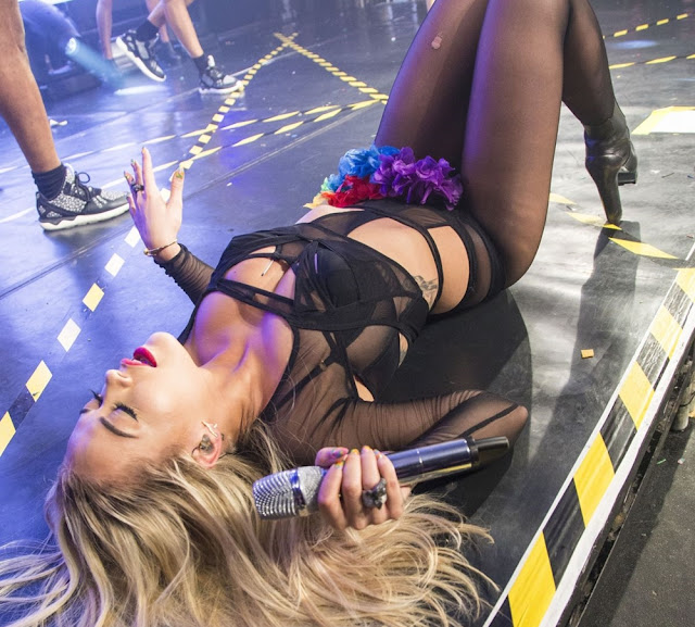 Rita Ora exposing her huge sexy ass butt at Heaven Nightclub in London in Provocative dance moves