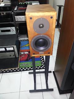 Dynaudio Contour 1.3 mki c/w stand (Used) 20130219_080651