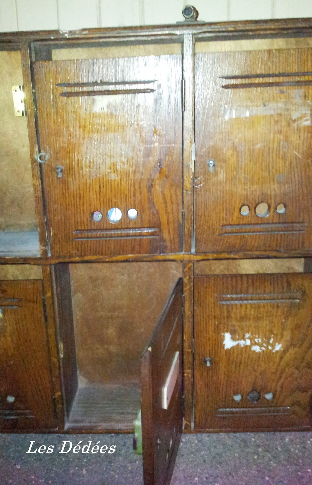 Boite aux lettres en bois ancienne - Vieille boite aux lettres ...