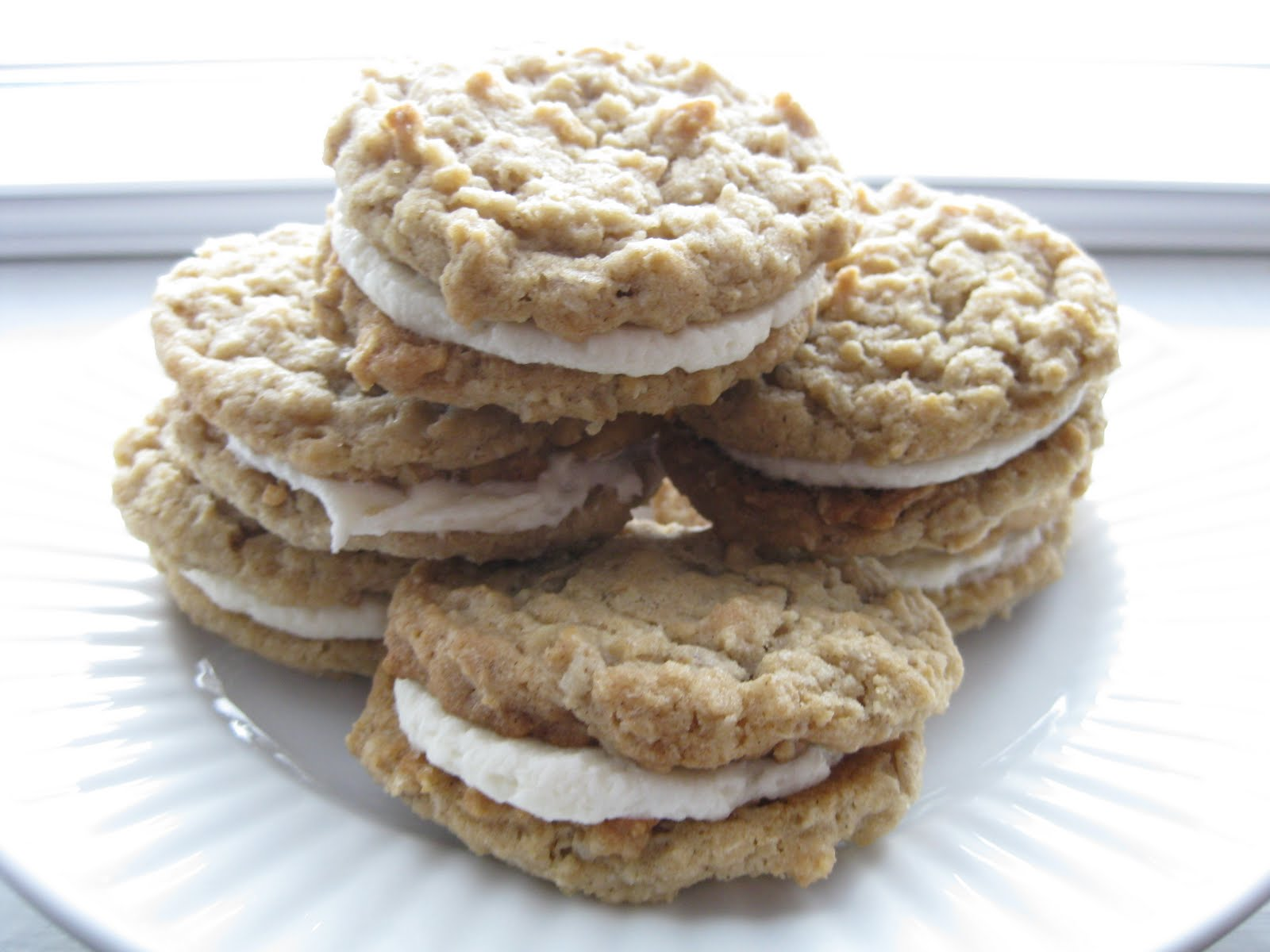The Sweet Touch: Homemade Little Debbie Oatmeal Cream Pies!