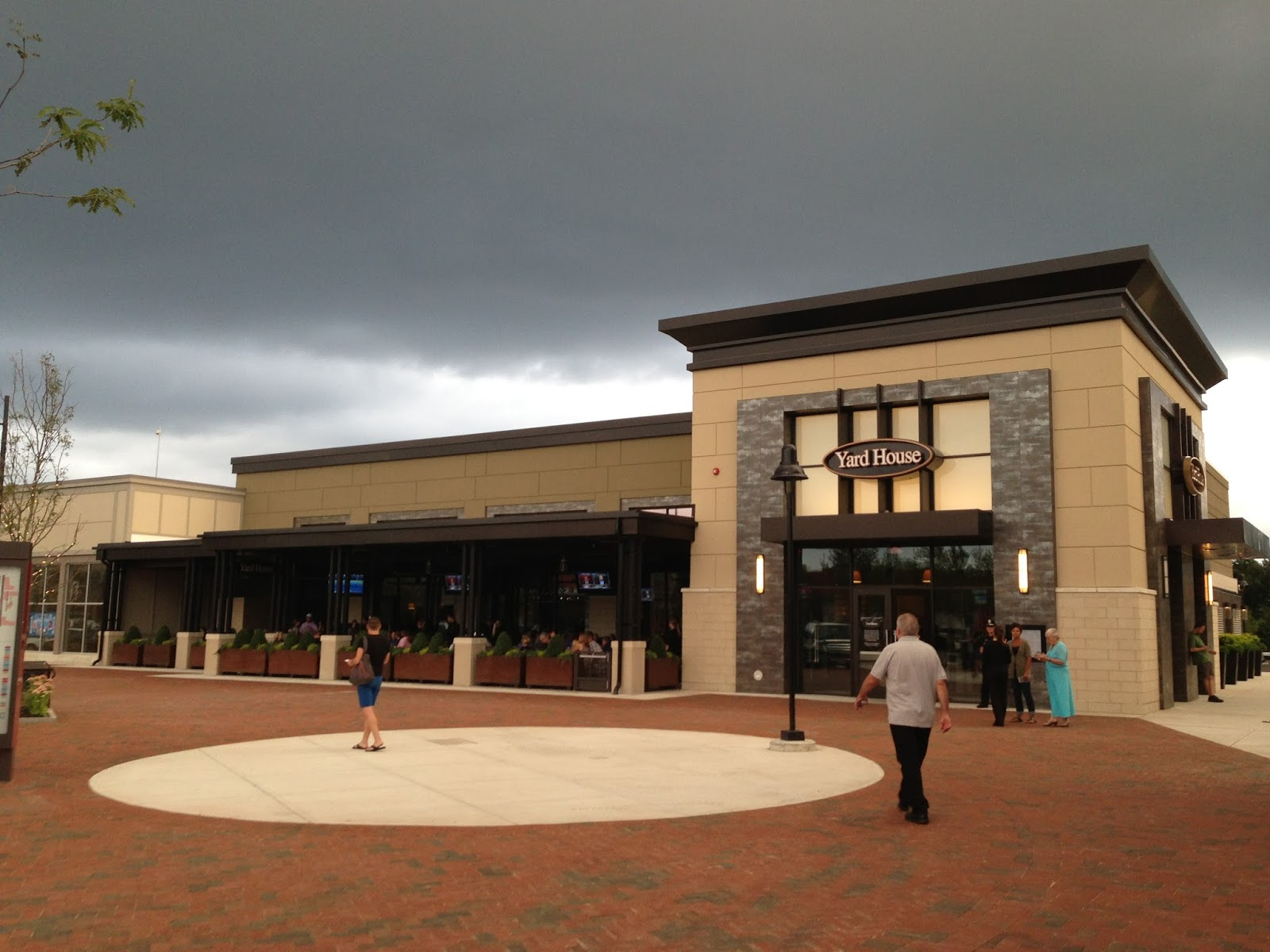 Urban Foo Finds The YardHouse in Lynnfield
