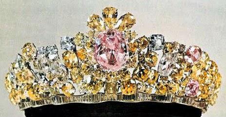 Nur Ul Ain diamond studden in Iranian Jewel Crown