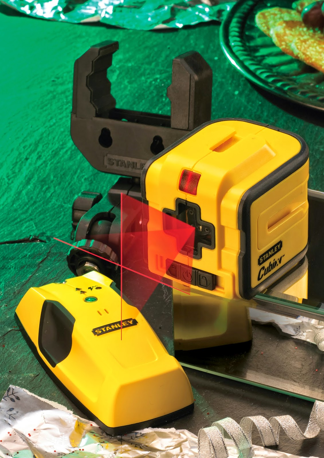 http://www.beesleyandfildes.co.uk/stanley-cube-cross-line-laser-plus-free-stud-wire-and-pipe-detector-ref-xms14cubix/
