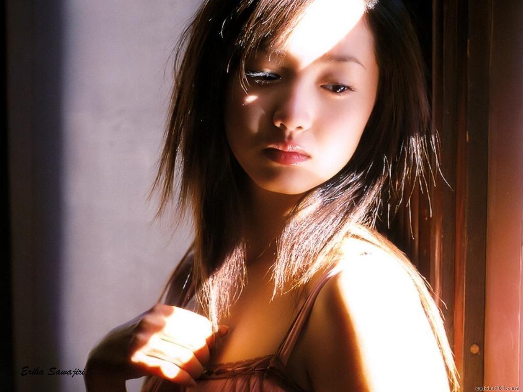 foto Erika Sawajiri (b. 1986)