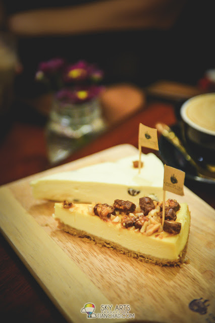 Rum & Raisin Cheesecake & Snickers @ Cheesecake Chapter Two Coffee & Dessert