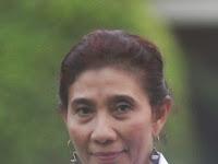 Susi Pudjiastuti sosok nyentrik dalam kabinet kerja Jokowi-JK