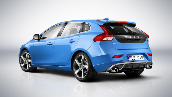 All-new Volvo V40 R-Design and Cross Country back