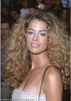 How To Volumize Wavy Hair Naturally