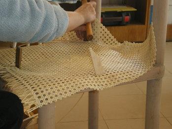 Tapizar silla de rejilla aprender con ana - Reparacion de sillas de rejilla ...