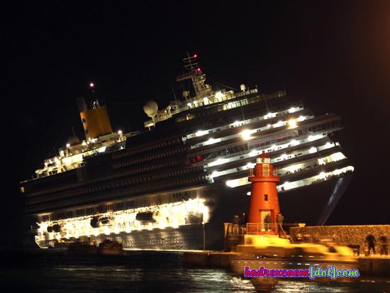 mencekam, detik-detik menjelang tenggelamnya kapal pesiar Titanic di ...