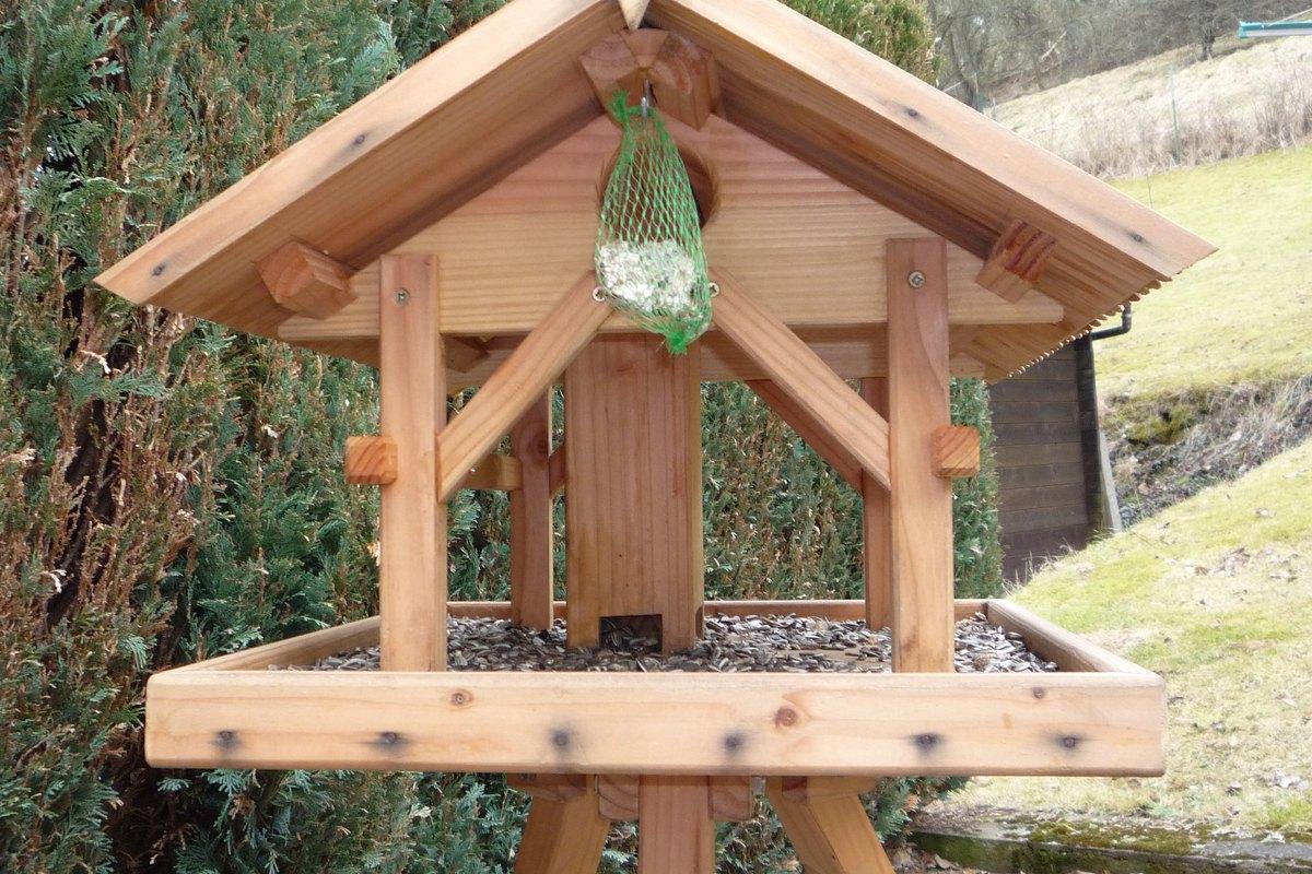 michas holzblog die zeit vergeht was macht das vogelhaus. Black Bedroom Furniture Sets. Home Design Ideas