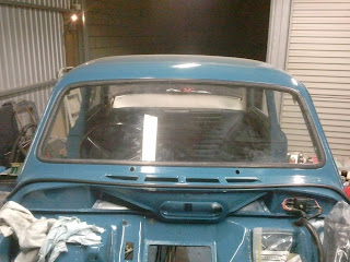 Fitted windshield  with new rubber seal Volvo Amazon