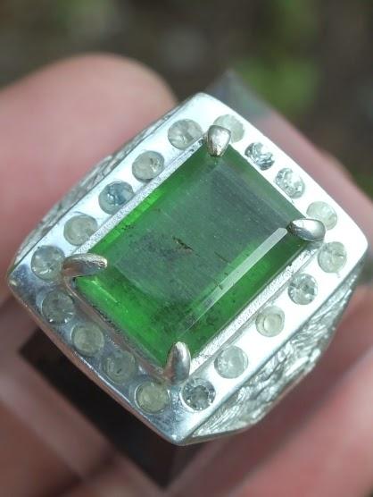 obsidian hijau