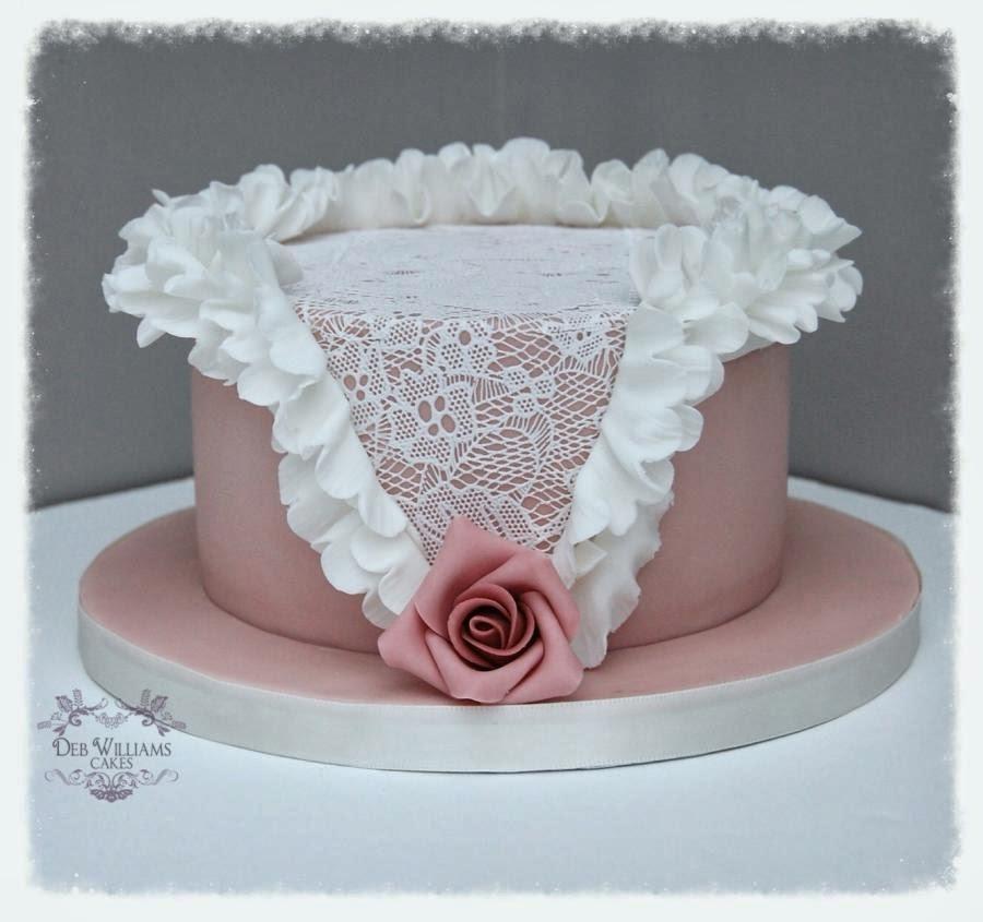 Pastel vintage en rosa y blanco. Tartas originales.