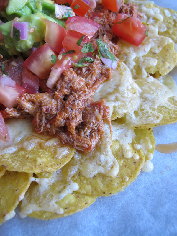 Morsels and Musings: smoky chipotle chicken nachos