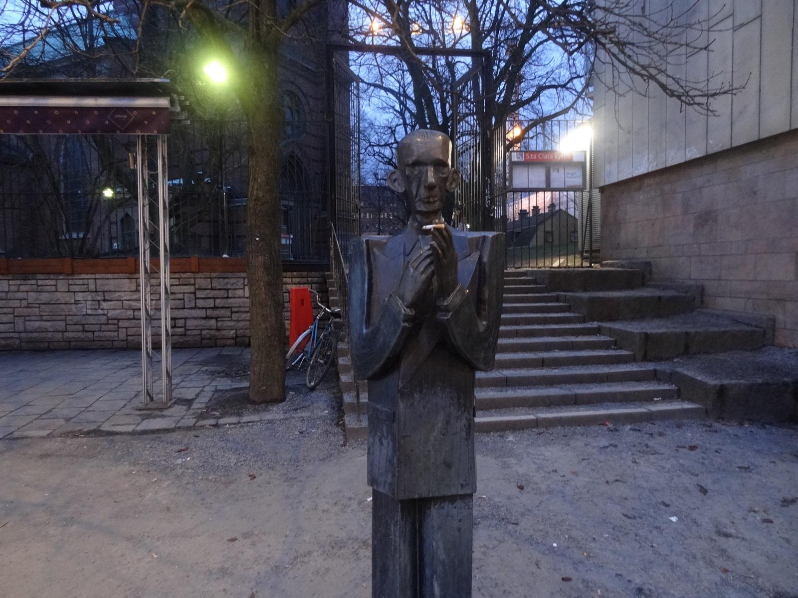 26 sztokholm posąg koło kościoła Klary