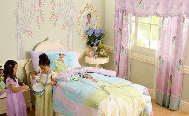 Disney princess and the frog girls bedroom modern for Frog bedroom ideas