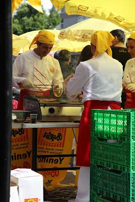 25 Kızıltoprak Showroom daki barbekü partimizden Fotoğraflar.