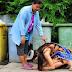Vencedora de concurso de beleza se ajoelha para agradecer o apoio de sua mãe