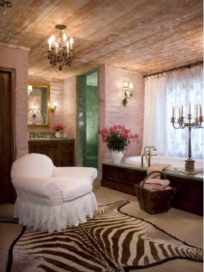 To da loos suzanne somers palm springs home s romantic for Romantic master bathroom