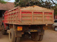 Sand, Export, Tipper lorry, Driver, Arrest, Vidyanagar police, Kasaragod, Kerala, Kvartha, Malayalam news, Kerala News, International News, National News, Gulf News, Health News, Educational News, Business News, Stock news, Gold News.