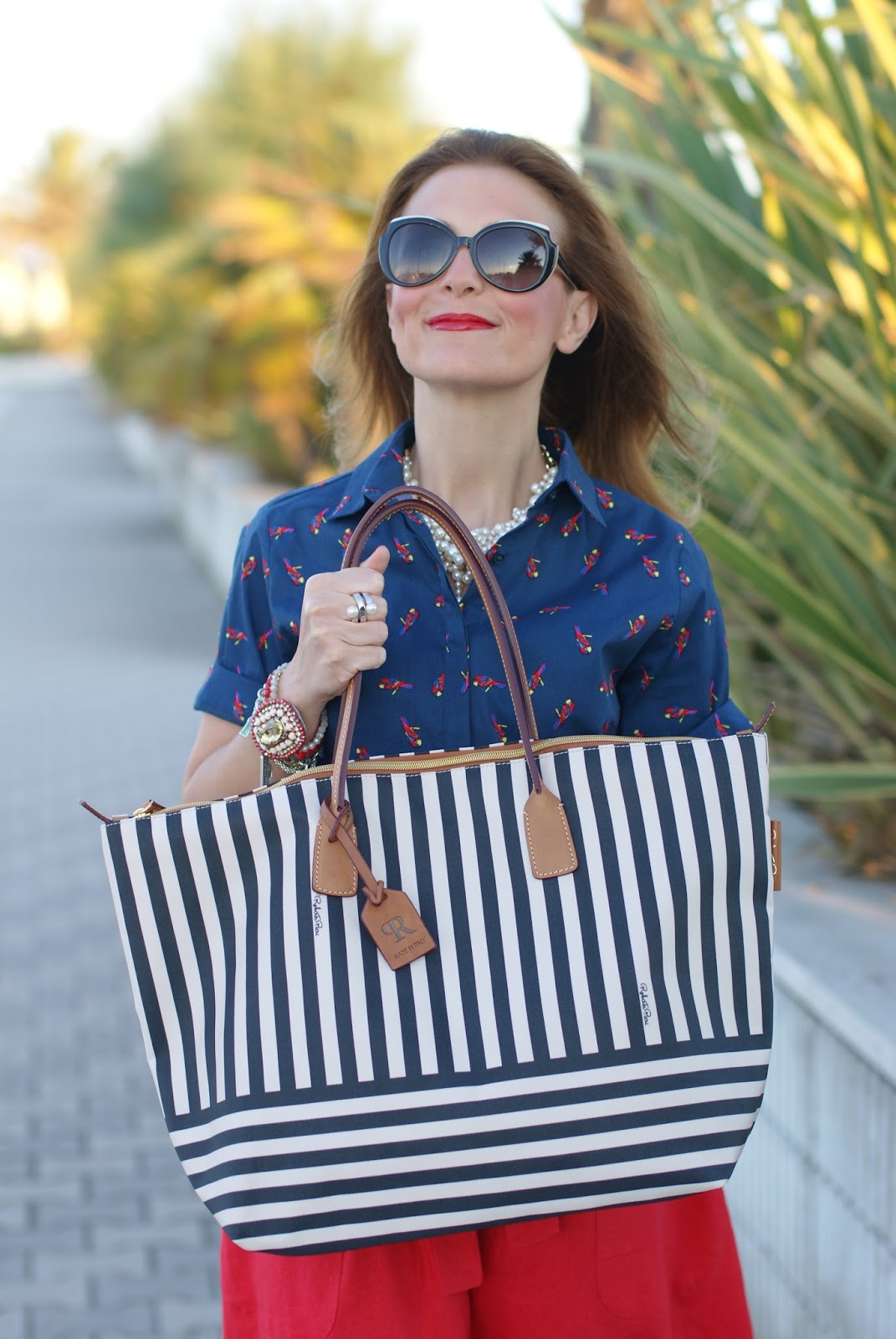 Roberta Pieri robertina collection, a striped tote on Fashion and Cookies fashion blog, fashion blogger style