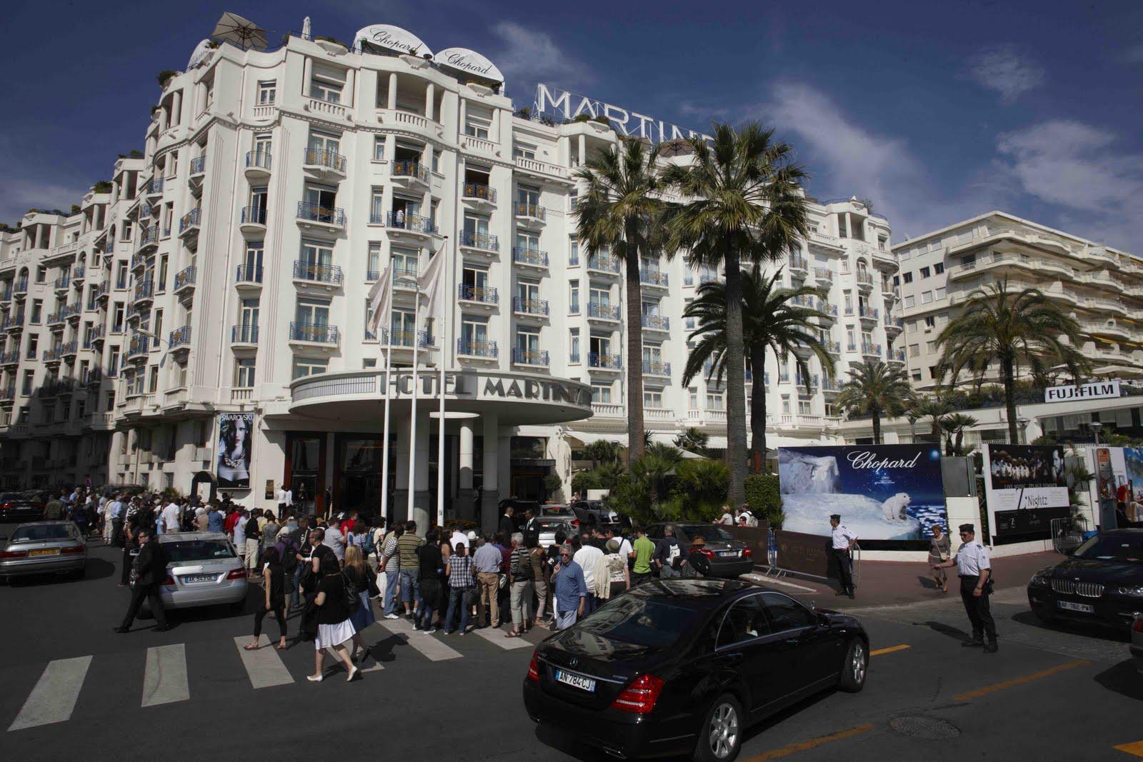 http://2.bp.blogspot.com/-1DcQp4Pu8Vg/TdBcjKuJoGI/AAAAAAAAAno/pxgYHyojNXY/s1600/Hotel-Martinez-during-the-Cannes-Film-Festival.jpg