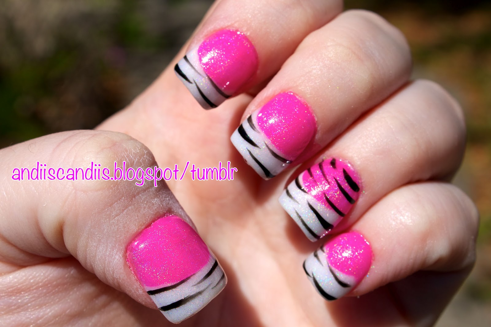 Andii\'s Candiis: NOTW: Hot Pink & White Acrylics