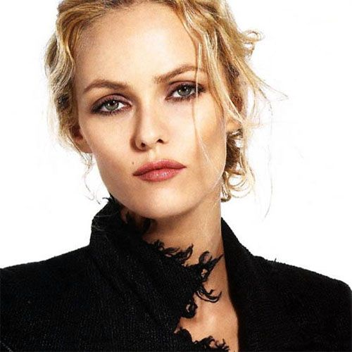 Vanessa Paradis – French Celebrity, Model, Singer, Actress